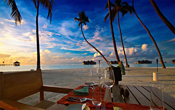 Gili-Lankanfushi-Maldives-Dining-Beach