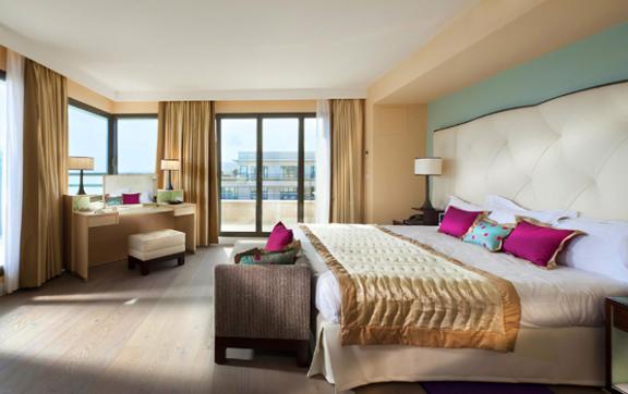 The-Hyatt-Regency-Nice-Suite-Room-View