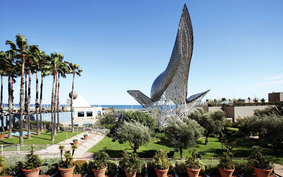 Arts-Hotel-Barcelona-Spain-Art-Courtyard