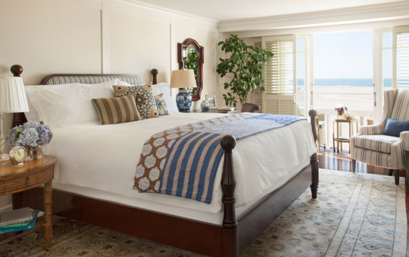 A bedroom in the suites at this Santa Monica Beach Hotel