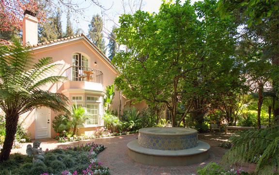 gardens-grounds-fountain-hotel-bel-air