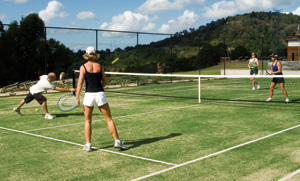 gwingarra-lifestyle-retreat-queensland-the-tennis-courts