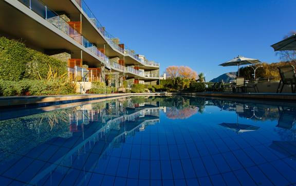 Lakeside Apartments, Wanaka accommodation, pool