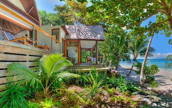island-plunge-pool-villa-royal-duvai-private-island0resort
