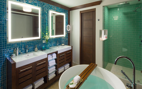 Crystal Lagoon One Bedroom Butler Suite with Balcony Tranquility Soaking Tub