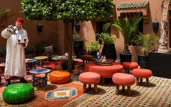 kasbah-tamadot-morocco-moroccan-tea-courtyard