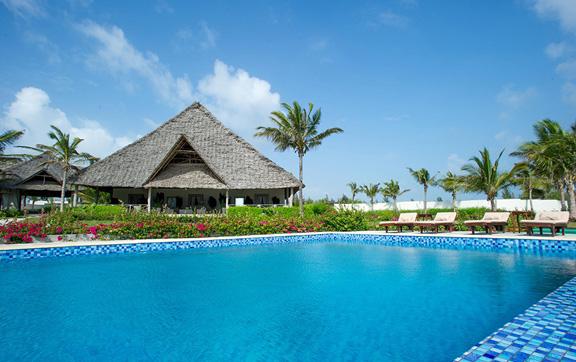 zawadi-hotel-pool