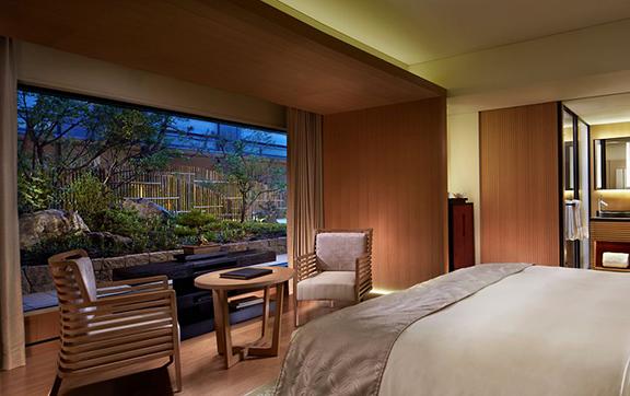 Deluxe Garden_Bedroom 2