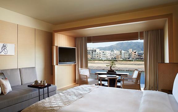 Luxury_King Bedroom