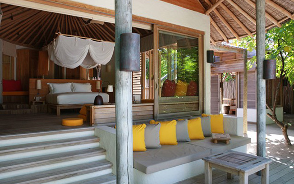 six_senses_laamu_room-lagoon-beach-villa-with-pool