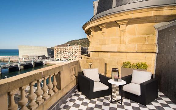 11-Royal-Terrace-Suite