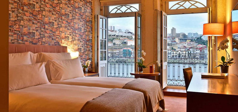 pestana-vintage-river-view-balcony