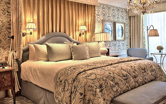 The-Four-Seasons-Hotel-George-V-Paris-Suite-Bedroom