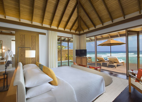anantara_veli_maldives_ocean_pool_bungalow_bedroom