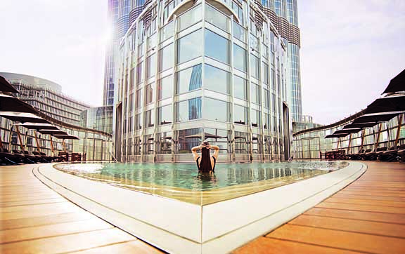 armani-dubai-pool