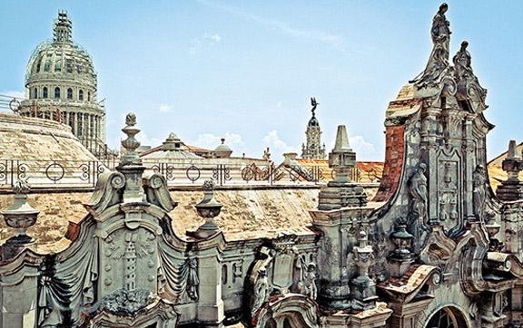 historic-architecture-of-Habana-Vieja-Old-Havana-Cuba-USA-Central-America
