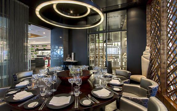 Luxury accommodation, Gold Coast Soul, restaurant
