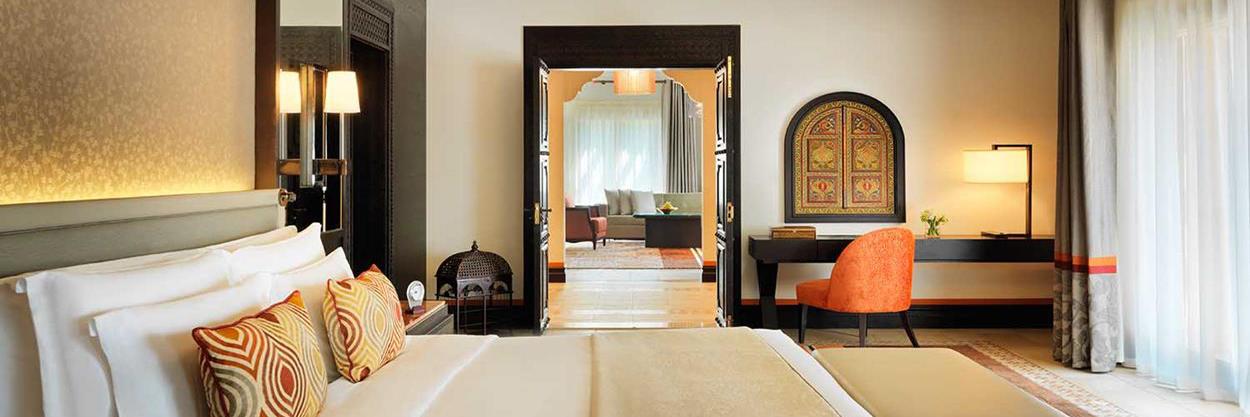 madinat-jumeirah-dubai-UAE-Luxury-accommodation-dam-arabian-summerhouse-suite-bedroom