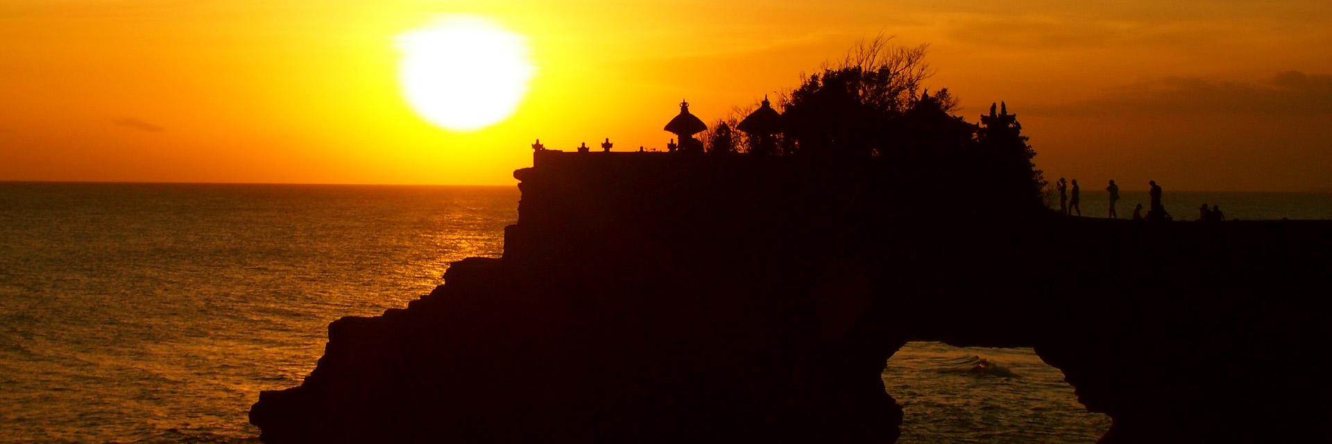 bali-temple-sunset