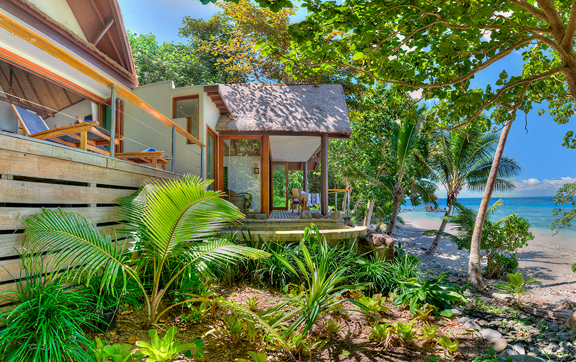 island-plunge-pool-villa-royal-duvai-private-island0resort
