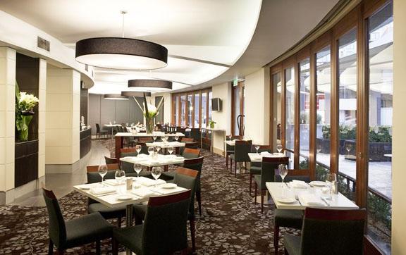 Quay West Suites Melbourne head2ok