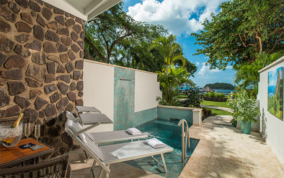 Beachfront Honeymoon Butler Room with Private Pool Sanctuary