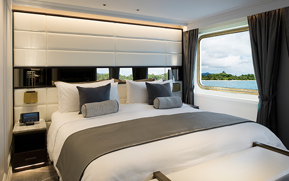 The Crystal Esprit Yacht Suite Bedroom