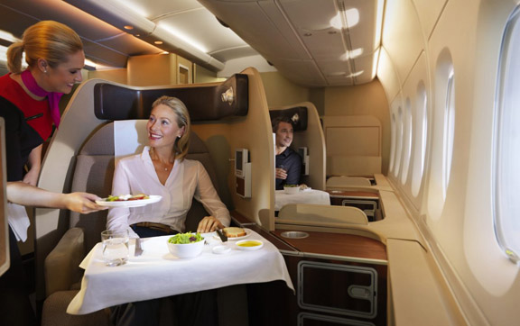 first_class_dining_experience_576x362